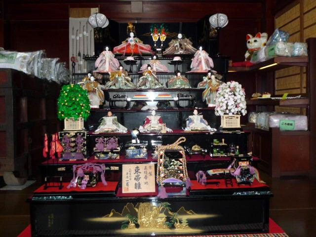 七段飾り雛人形.JPG