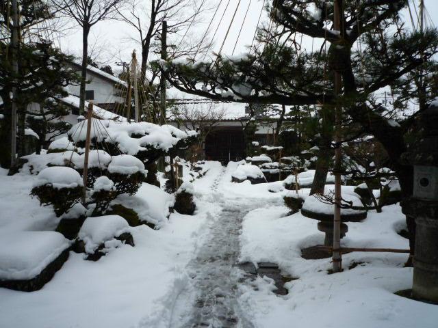 雪景色 門